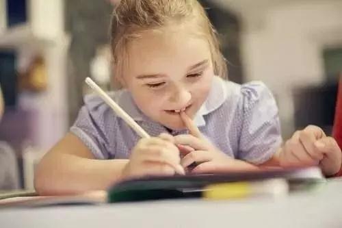 家长和孩子们应该引起重视的是:学语文,不是为了应对考试。